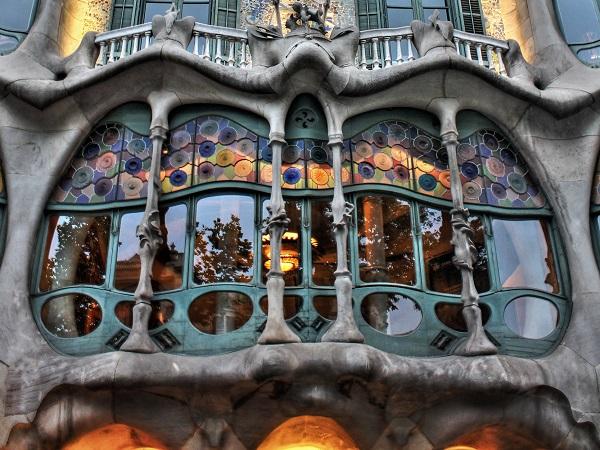 bâtiment gaudi barcelone
