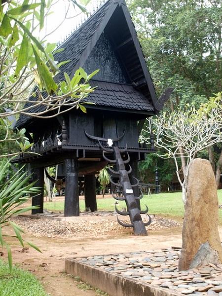 maison noire thailande