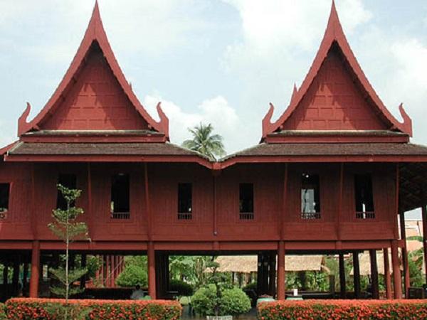 Maison traditionnelle tha landaise for Maison traditionnelle nord