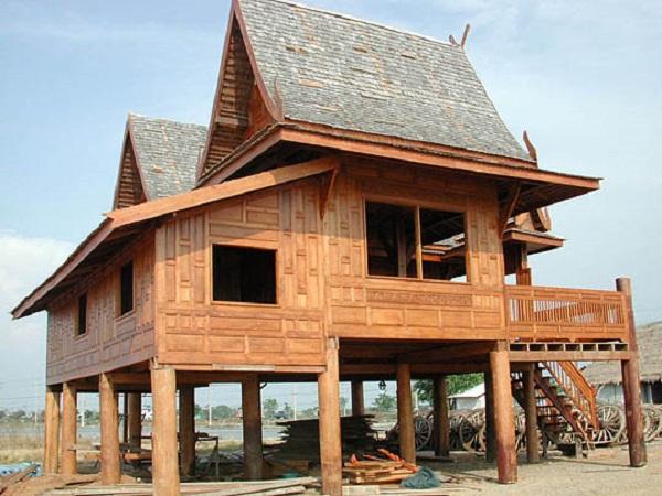 maison traditionnelle thaïlandaise