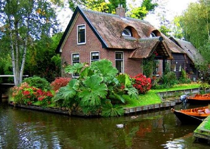 Les maisons de Giethoorn, une petite Venise