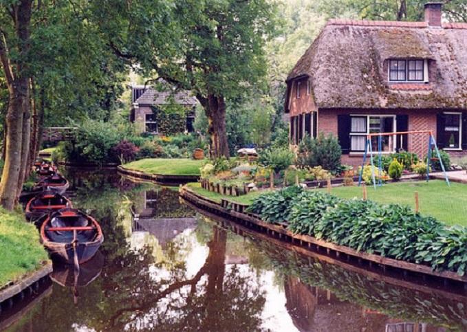 Les maisons de giethoorn la venise des pays bas - Villa nefkens wageningen aux pays bas ...