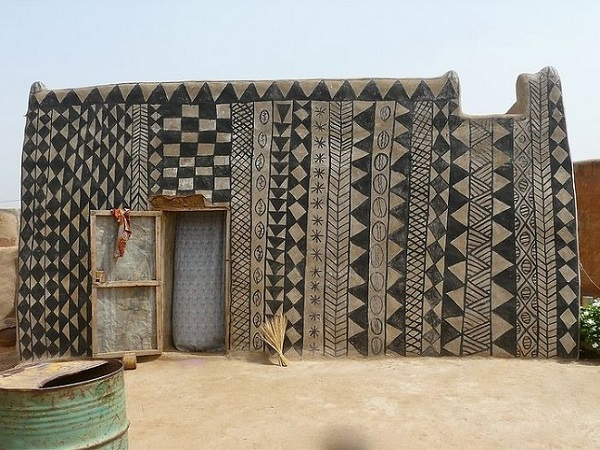 maison décorée burkina faso