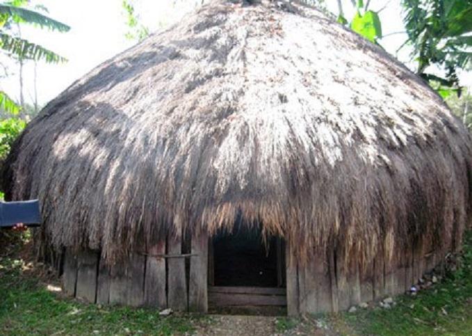 Hanoi la maison traditionnelle de Papouasie