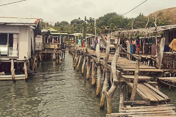 maisons sur pilotis de Papouasie Nouvelle Guinée
