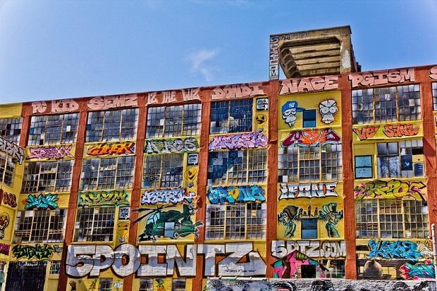 bâtiment graffiti new york