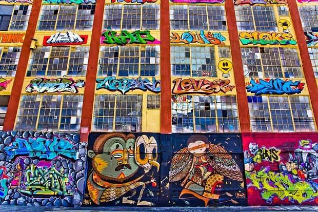 bâtiment graffitis