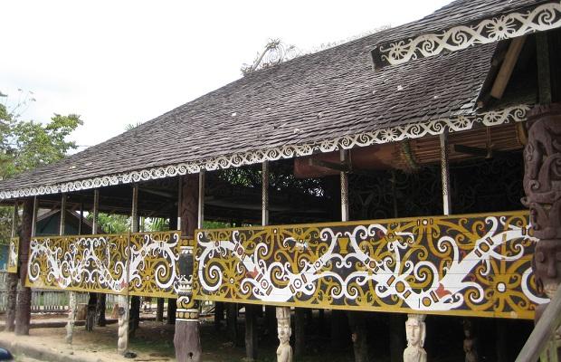 Les maisons traditionnelles des indon siens for Les demeures traditionnelles