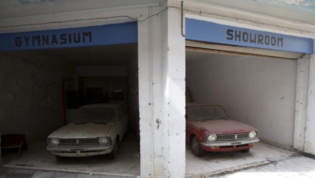 Des maisons fig es dans le temps chypre for Garage les milles
