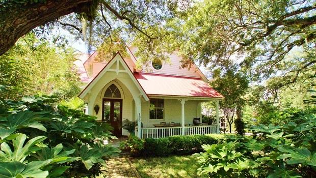 Une église transformée en chalet de luxe