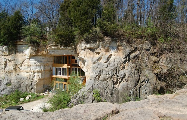 Maison troglodyte moderne superbe for Taille moyenne d une maison