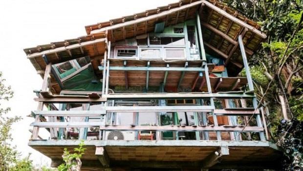 maison en matériaux recyclés