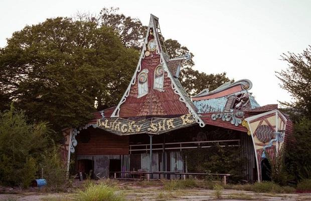parc de jeux abandonné
