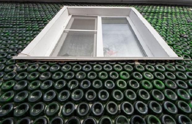 maison en bouteilles