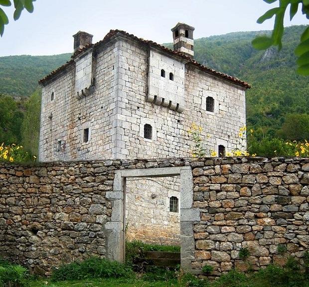 maison albanie