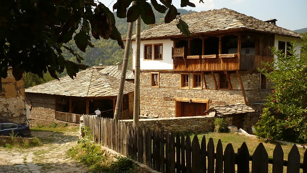 maisons traditionnelles en bulgarie
