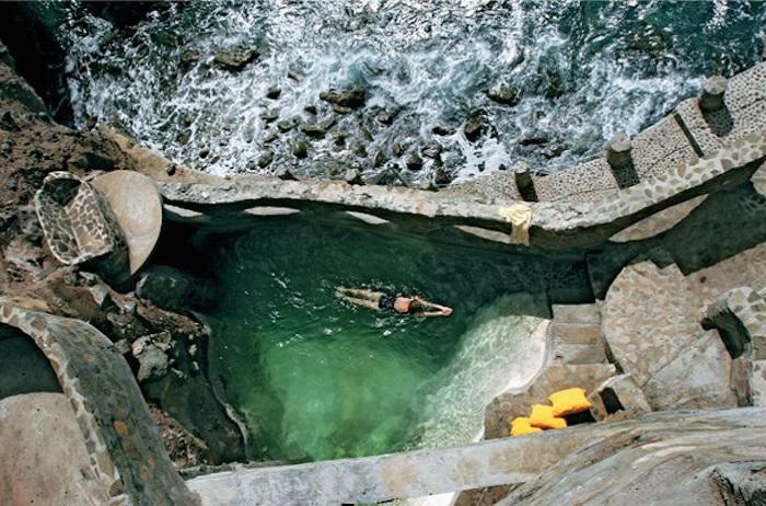 piscine moonhole