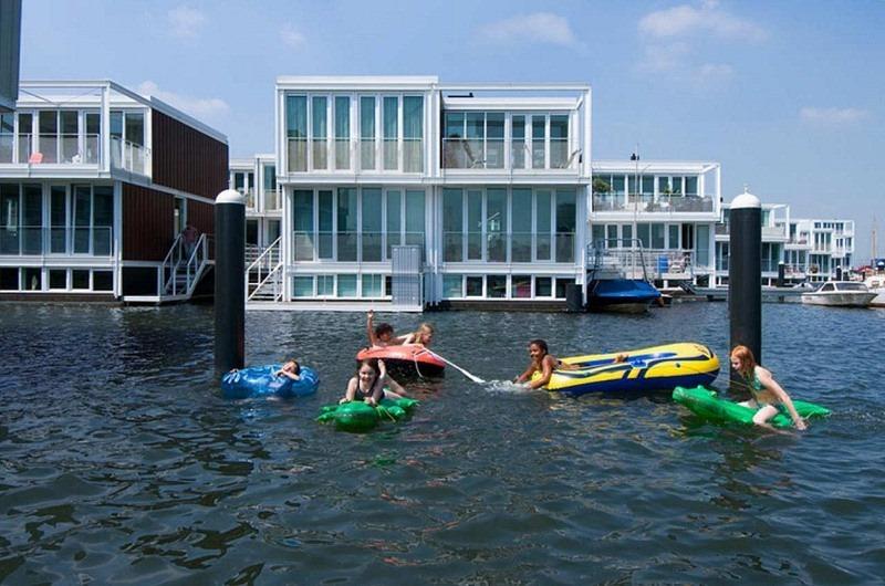 les maisons flottantes d 39 ijburg amsterdam. Black Bedroom Furniture Sets. Home Design Ideas