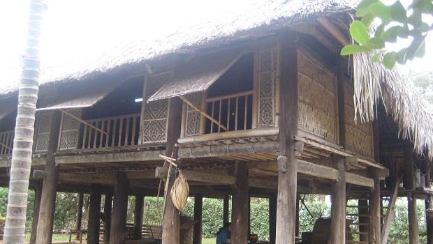 maison traditionnelle laos