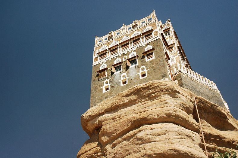 Dar-al-Hajar-0[2]