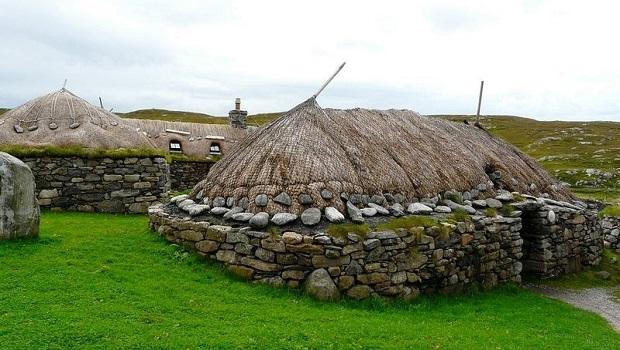 Les blackhouses d'Écosse et d'Irlande