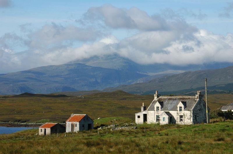 """Une """"maison blanche"""" sur l'île Lewis. Crédit photo : Kristi Herbert/Flickr"""