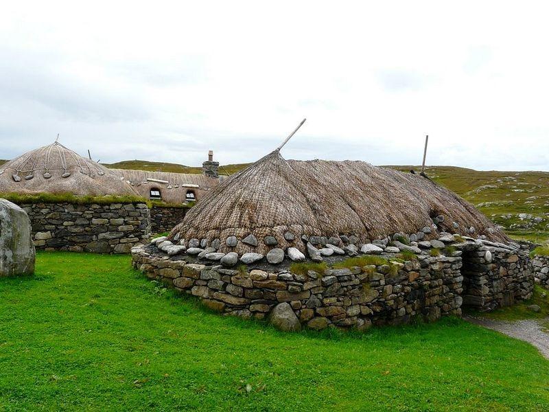 Une blackhouse à Gearrannan sur l'île de Lewis. Crédit photo :