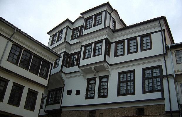La maison des robev ohrid for Maison traditionnelle turque