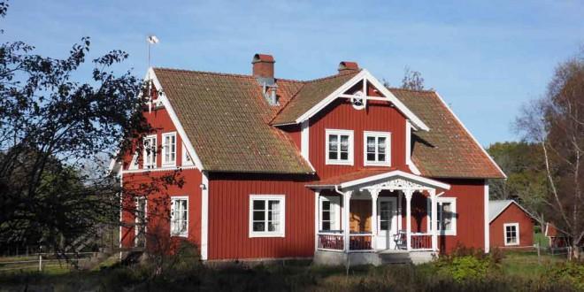 les maisons rouge typiques de su de. Black Bedroom Furniture Sets. Home Design Ideas