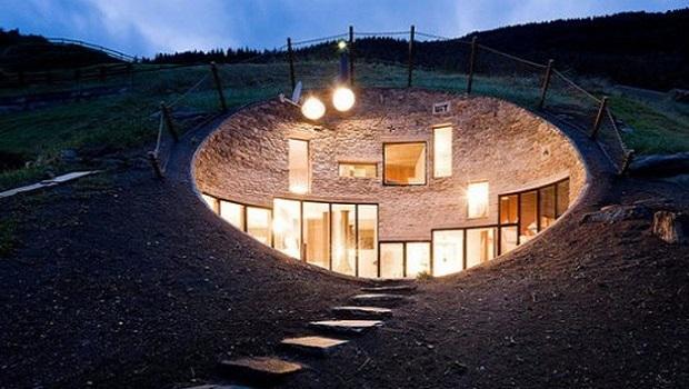 Une maison souterraine unique et écologique