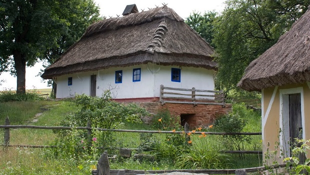 maisons traditionnelles ukraine