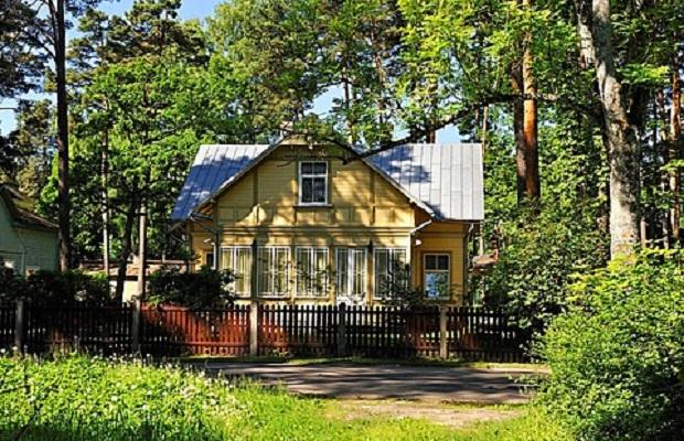 maison en bois typique à Jurmala, Golfe de Riga