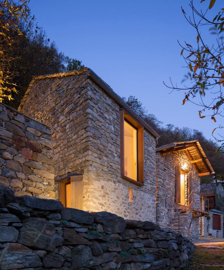 Maison de montagne en pierre rénovée (3)