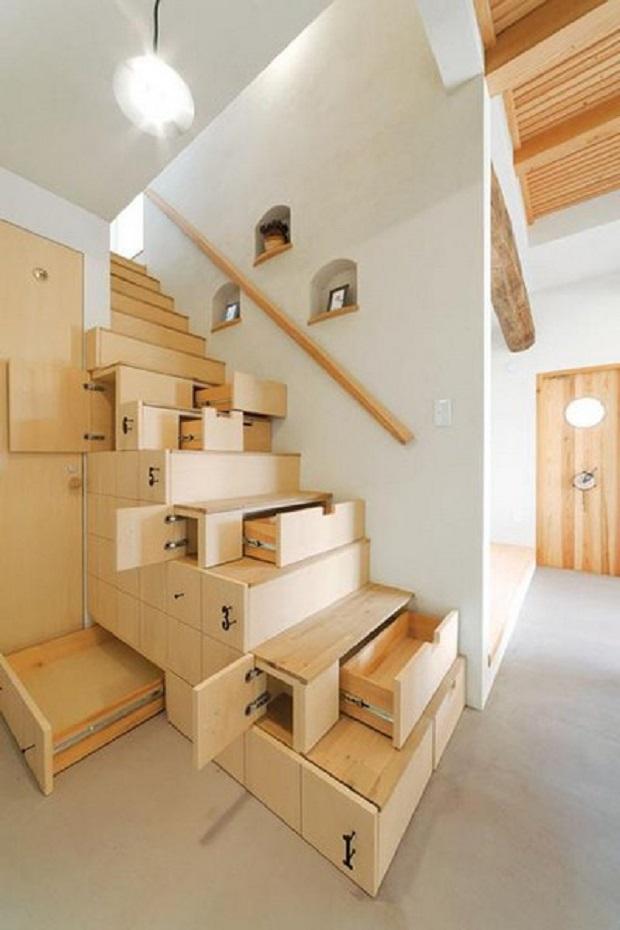 espace fonctionnel sous escalier (2)