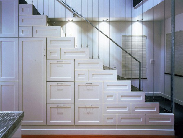 espace fonctionnel sous escalier (3)