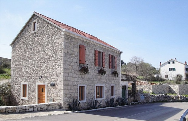 maison tuiles rouge croatie 2