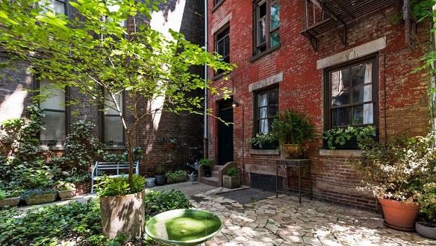 Une pépite confortablement cachée dans un quartier ouest de New York avec un jardin secret
