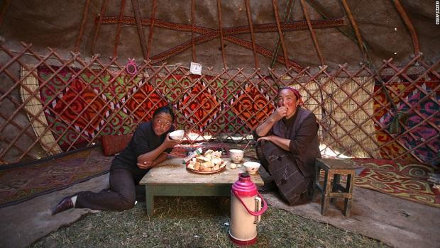 120515074211-kazakh-yurt-horizontal-large-gallery