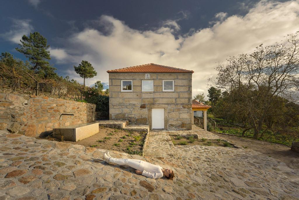Une ancienne maison en pierre au portugal avec un int rieur tr s moderne - Renovation vieille maison pierre ...
