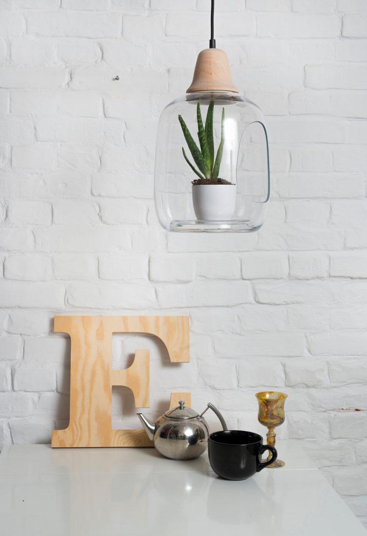 ces lampes en verre subliment vos plantes. Black Bedroom Furniture Sets. Home Design Ideas