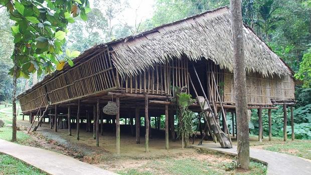 longue maison bornéeo 2
