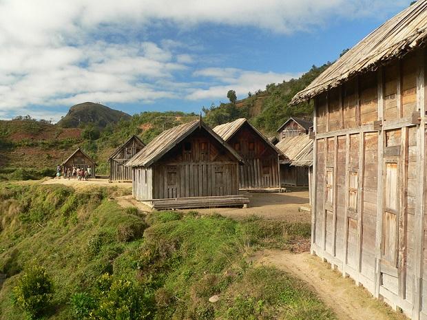 maison en bois zafimaniry 1