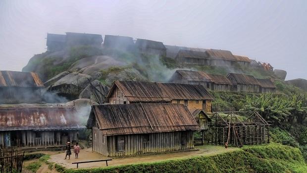 maison en bois zafimaniry 8