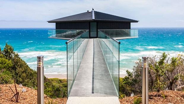 Cette maison incroyable en Australie semble flotter au-dessus de la mer