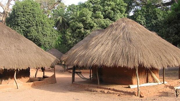 maison typique guinée bissau 7