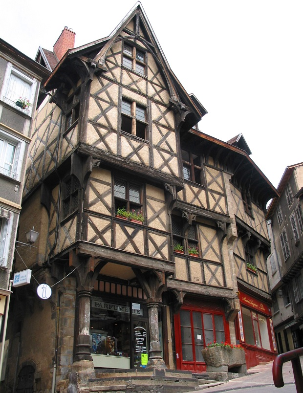 maison à colobages troyes