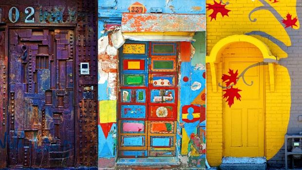 30 portes magnifiques qui semblent conduire vers d'autres mondes