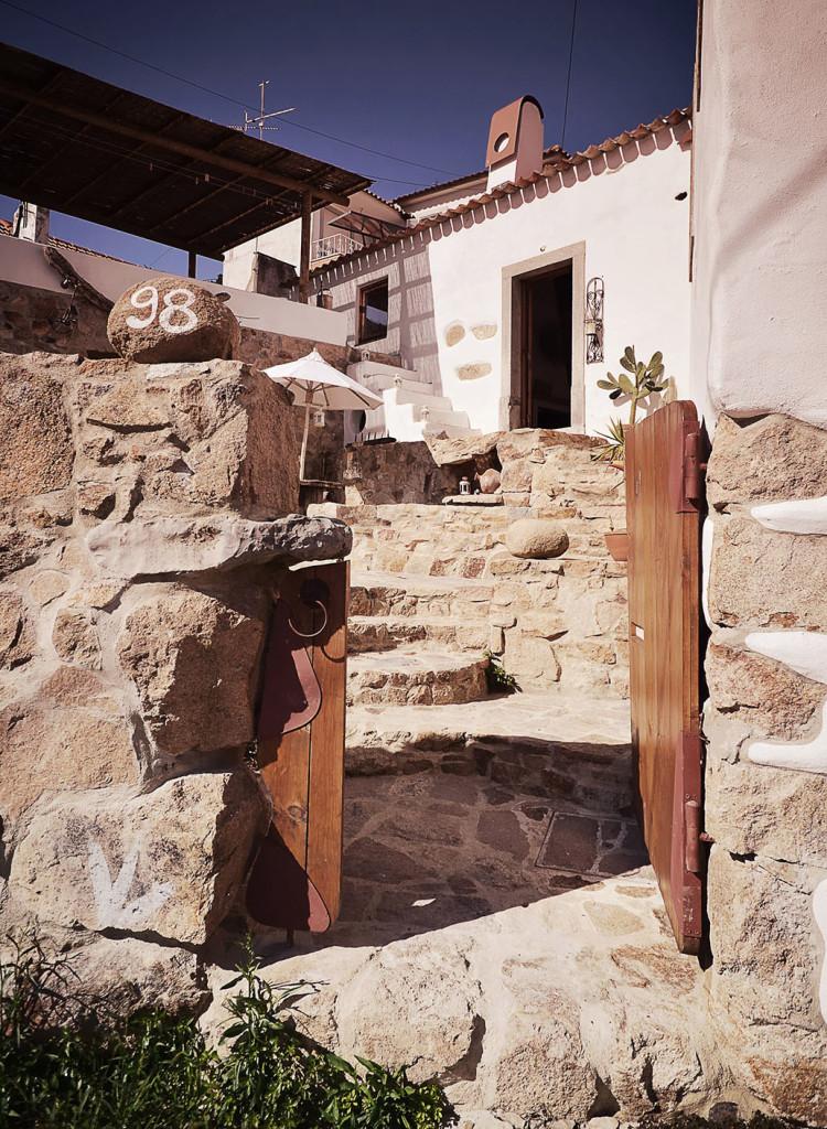 R novation d 39 une vieille ruine en pierre portugaise - Renovation d une vieille maison ...