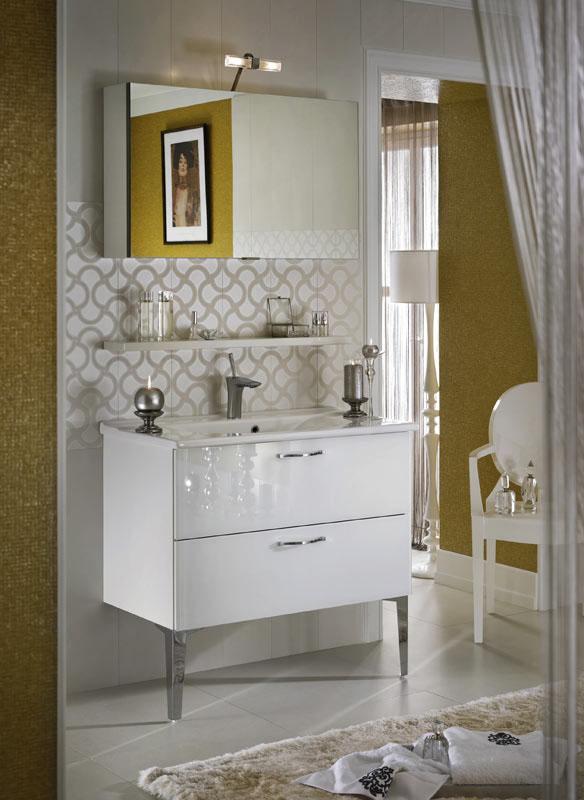 salle de bains brillante et unique (5)