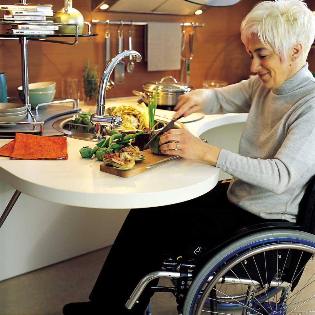 superbe cuisine personne fauteuil roulant (5)